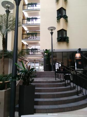 Recepci n y rea com n picture of mercure paris porte de - Hotels near paris expo porte de versailles ...