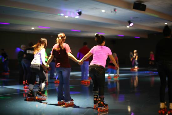 Grand Junction, CO: Spin City Roller Skating Rink Teen Night