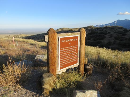 San Agustin Pass: sign