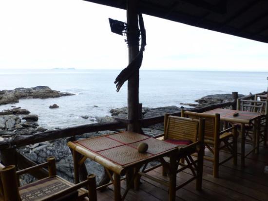 Bamboo Bay Resort: Schöner Blick auf das Meer beim Frühstück