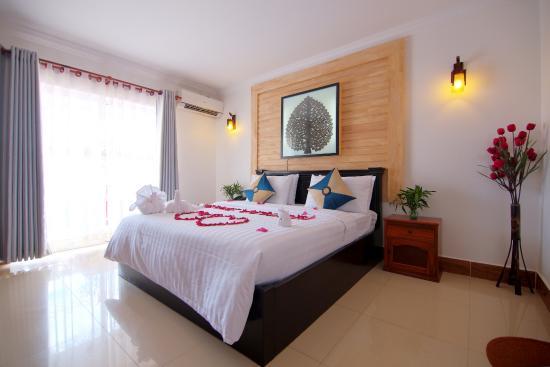 Tareach Angkor Villa : Deluxe Double with balcony.
