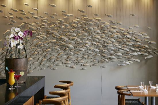 Koi: Bar & fish detail
