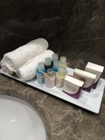 GLK PREMIER Sea Mansion Suites U0026 Spa: Bathroom Kit