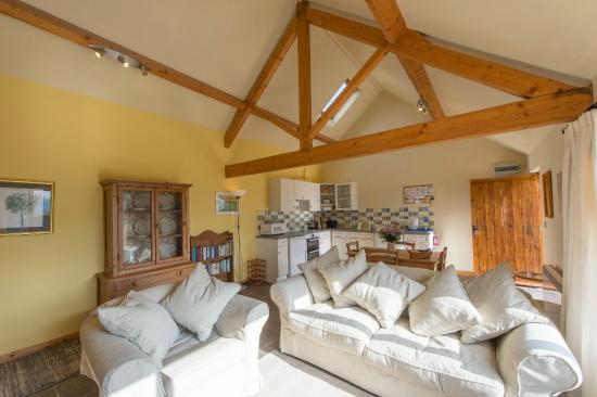 Shelve, UK: Cranberry Cottage - cosy sitting area with open beams