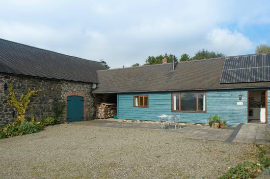 Shelve, UK: Cranberry Cottage extensive private area