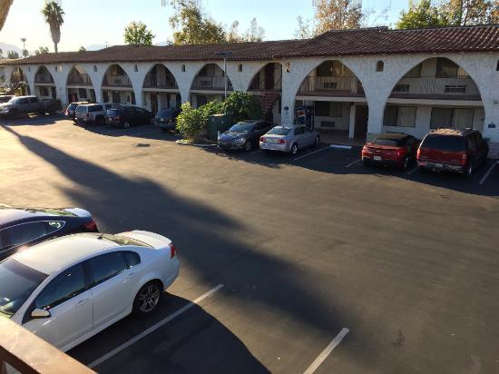 Days Inn Camarillo - Ventura: Внутренний дворик