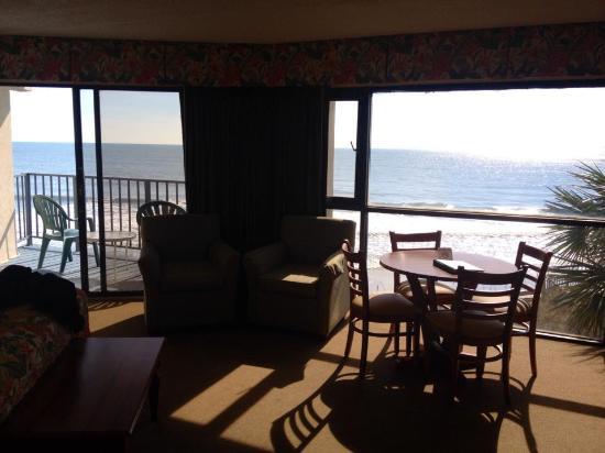 Oceanfront Litchfield Inn: lovely oceanfront suite