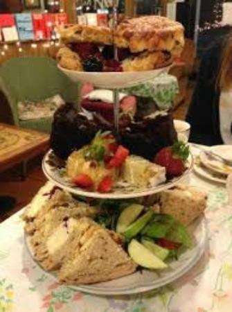 Cox and Baloney's Tearoom & Bar: Lillys Afternoon tea