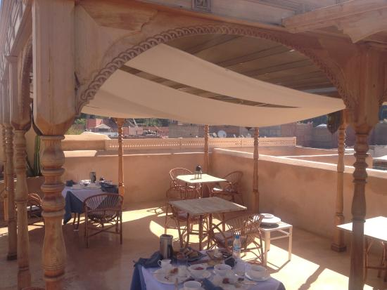 Riad 72: Dining on the roof terrace