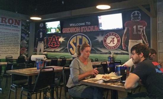 Boaz, Алабама: The Roll Tide wall