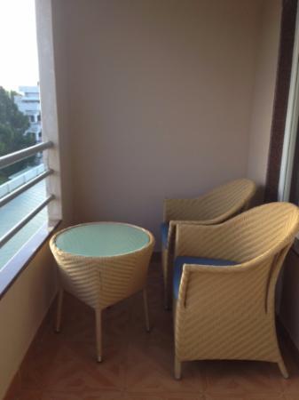 Hotel Naveen: Balcony