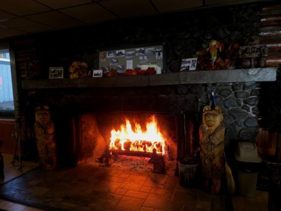 Diamond Lake, Oregón: 1920's Fireplace