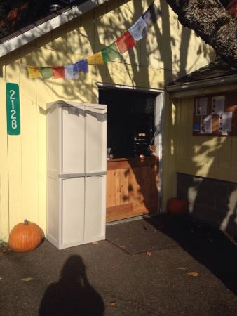 Eatonville, Waszyngton: The front of our little bakery! Grab your goodies at the Dutch door and go!