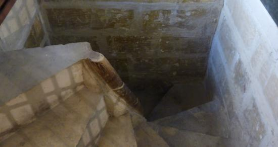 Marsovin : The steps downstairs into the wine cellar!!!
