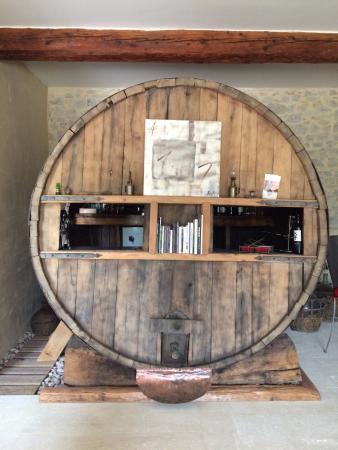 Mauressargues, Francia: le bar-tonneau