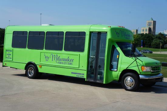 Milwaukee Food & City Tours - Explore Milwaukee: Sightseeing City Tour