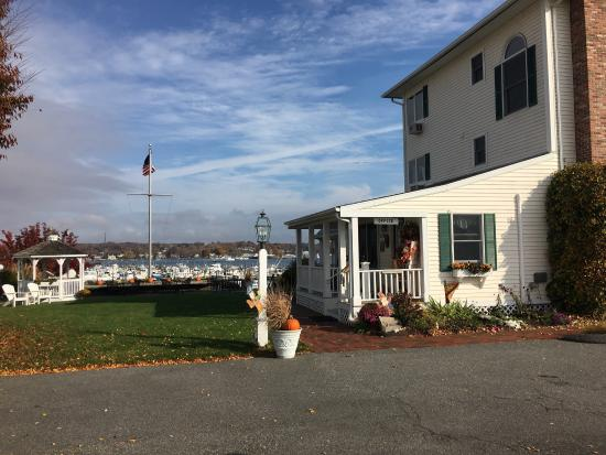 Inn at Harbor Hill Marina: The beautiful Inn at Harbor Hill
