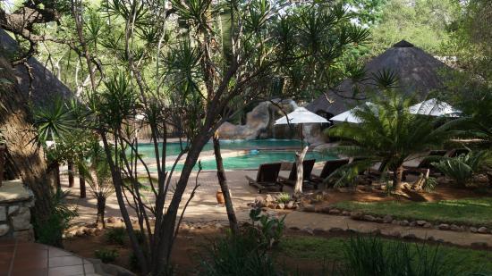 Shiduli Private Game Lodge: Hotel grounds