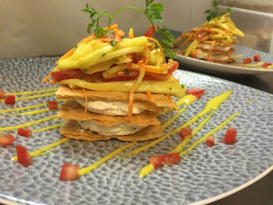 Le Bistrot de la Tranchée: Millefeuille au fromage frais et légumes