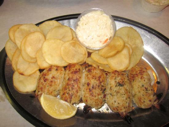 Levittown, Пенсильвания: Crab-stuffed Shrimp Platter