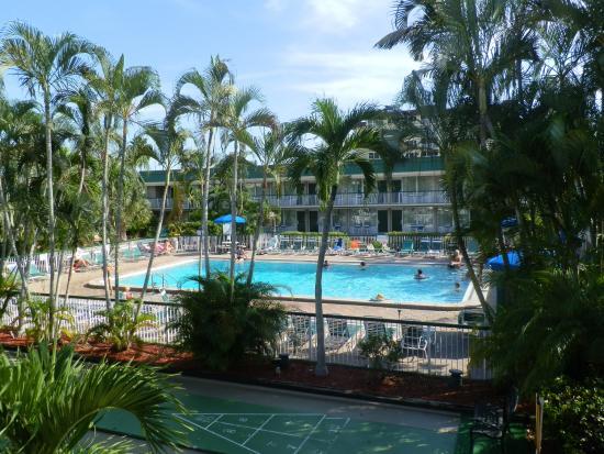 Tiki Bar Exterior Picture Of Wyndham Garden Fort Myers Beach Fort Myers Beach Tripadvisor