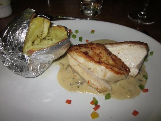 Beaufort Bar and Restaurant: Chicken