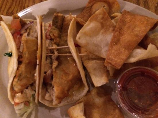 Hornell, NY: Chicken sandwich and fish tacos 🍴👍