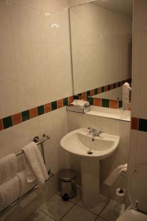 Holiday Inn Killarney: Ванная
