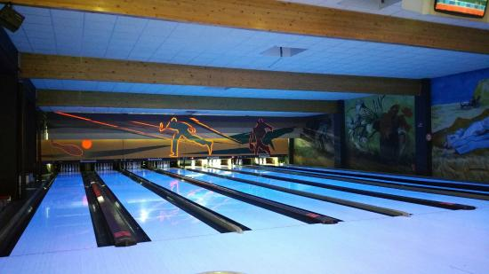bowling van gogh villeneuve d 39 ascq restaurant avis num ro de t l phone photos tripadvisor. Black Bedroom Furniture Sets. Home Design Ideas