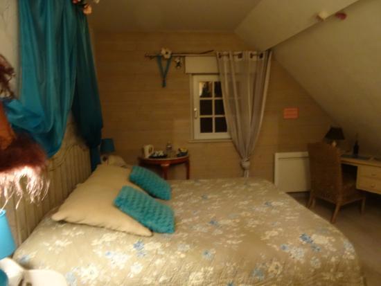 """Le Paddock du Val de Lys: la chambre bleue """"l'Eglantine"""""""