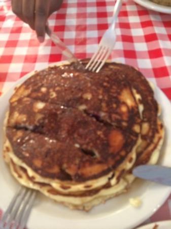 Frankie's Kitchen: blueberry pancakes -delicious!