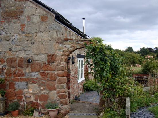 The Old Forge: Remarkable stone work.