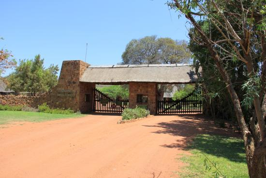 Welgevonden Nature Reserve: The preserve entrance/exit.