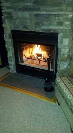 Rangeley Lake Resort, a Festiva Resort: Nice Fall Fire to Relax