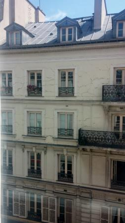 View from window picture of hotel design secret de paris for Hotel design secret