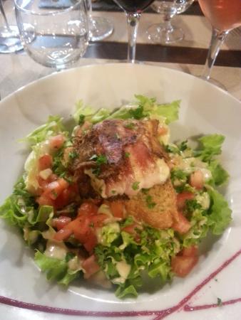 Тенс, Франция: la salade au chèvre chaud