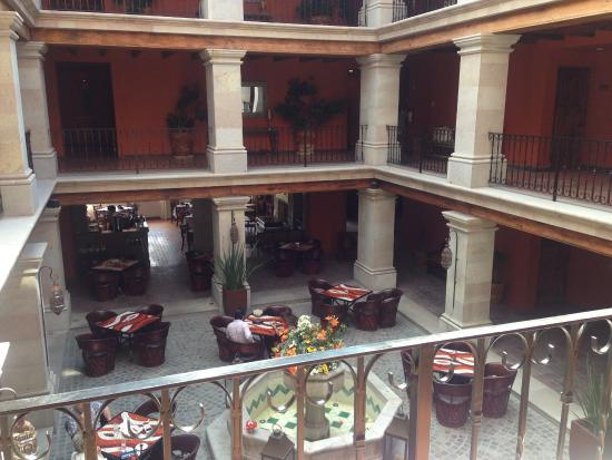 Hotel Casa Primavera: 中庭2