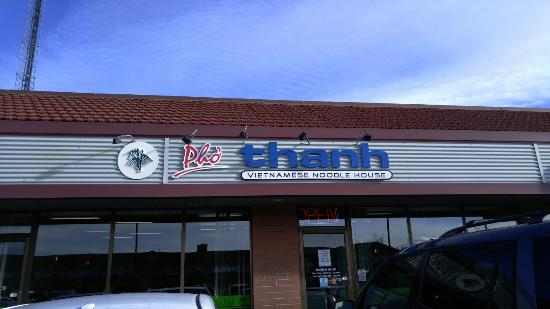 Pho Thanh : For pho lovers, this is a hidden gem in Calgary.