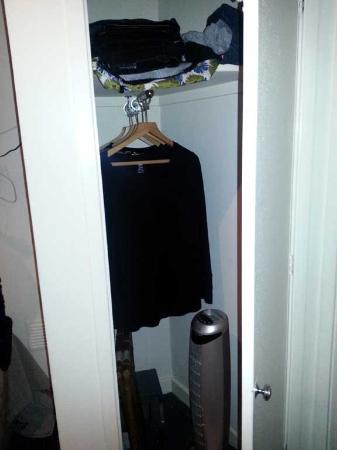 Vancouver Studios: Closet with fan you can pull out and a safe at the bottom