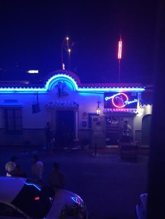 Globales Pueblo Andaluz: Night club at our bedroom window