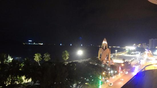 Nha Trang Lodge: Лотос ночью