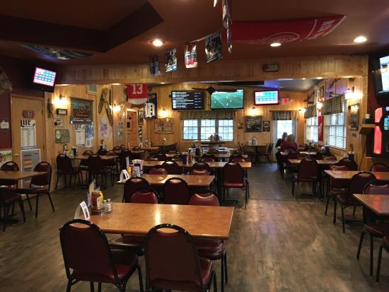 Bear Lake, MI: Grille 44