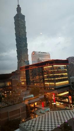 Window View - Le Meridien Taipei Photo