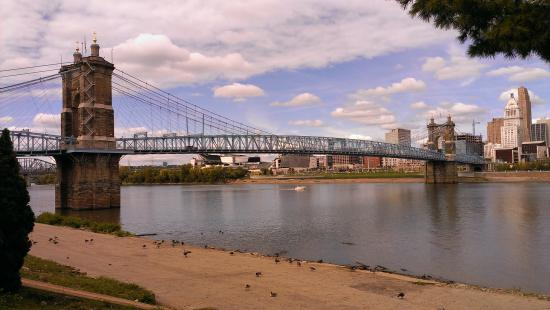 George Rogers Clark Park: John A. Boebling Suspension Bridge, Ohio River