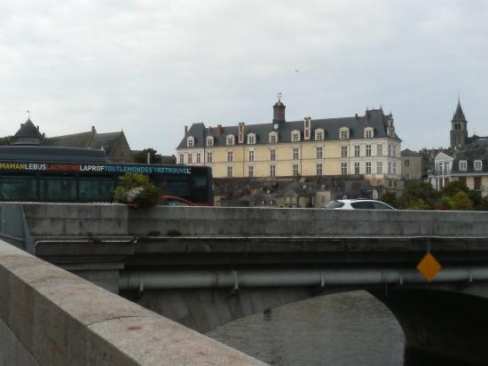 Pont Vieux (Old Bridge)  橋から街を望むその2