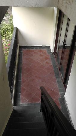 Pearl River Nantian Resort & SPA: ベランダから屋上の露店風呂への階段