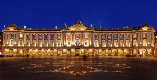 place du capitole la nuit photo de place du capitole toulouse tripadvisor. Black Bedroom Furniture Sets. Home Design Ideas