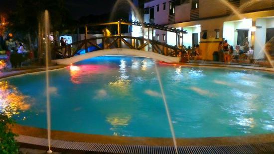 Golden Pyramid Pavilion Resort See 6 Reviews And 21 Photos Quezon City Metro Manila