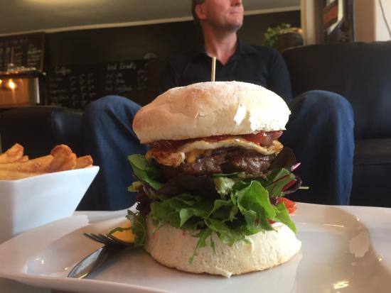Gumeracha, Australia: The Outback Burger