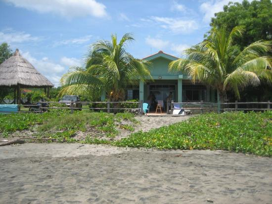 Popoyo Beach Lodge: The beach lodge